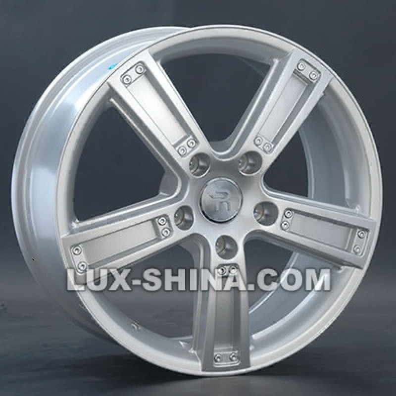 Replay Volkswagen (VV62) 8x18 5x130 ET53 DIA71,6 (silver) в Севастополе (Крым)
