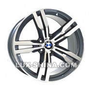 BMW (B5327)