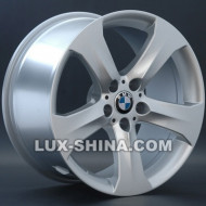 BMW (B82)